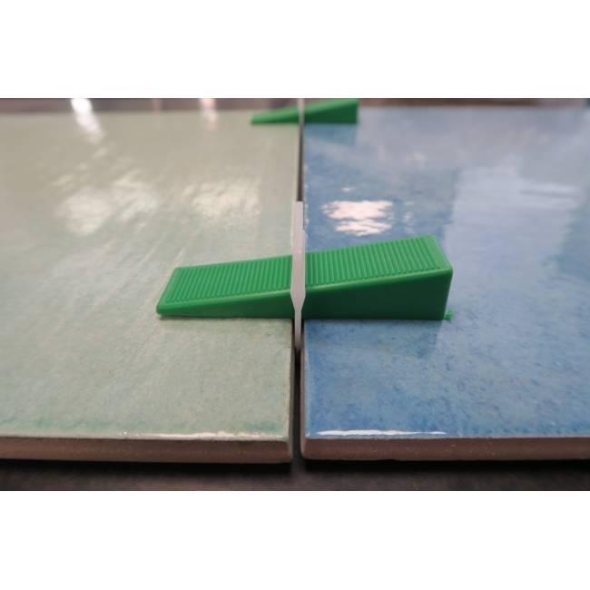 clips 2 mm tile leveling spacers block level evo. Black Bedroom Furniture Sets. Home Design Ideas